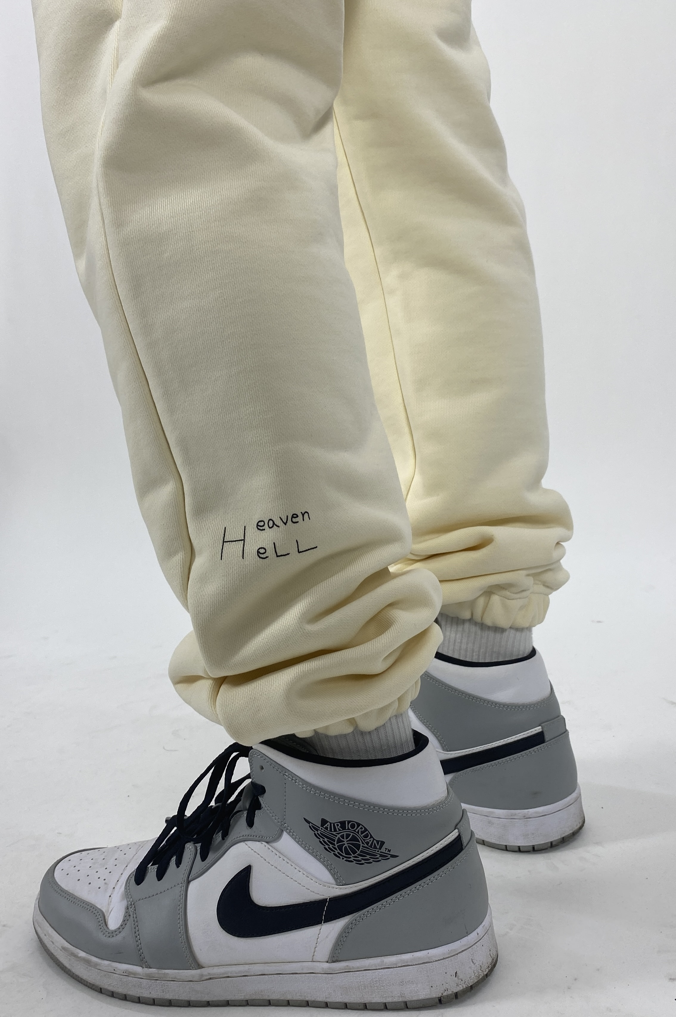 -[MOLTO SEOUL] HELL HEAVEN PANTS - CREAM