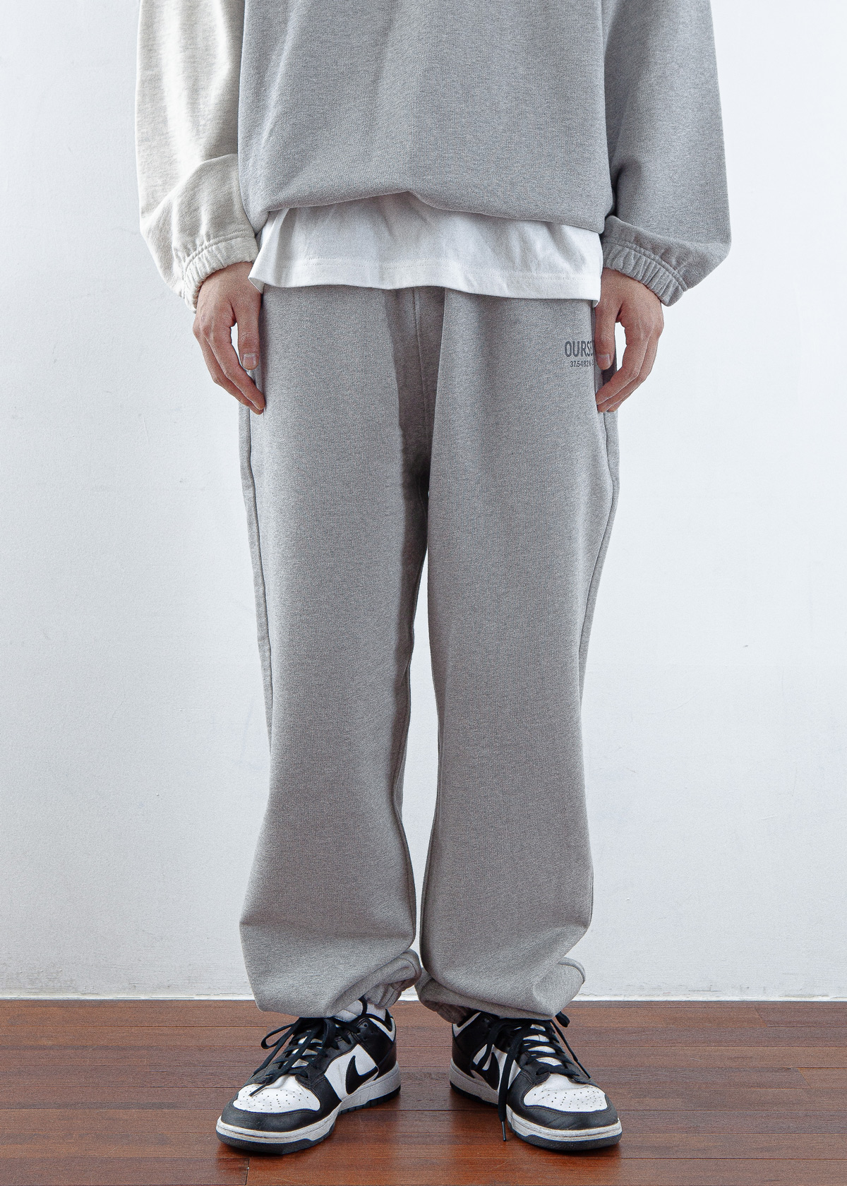 -[OURSELVES] LOGO PLAY SWEAT PANTS (melange/oatmeal)