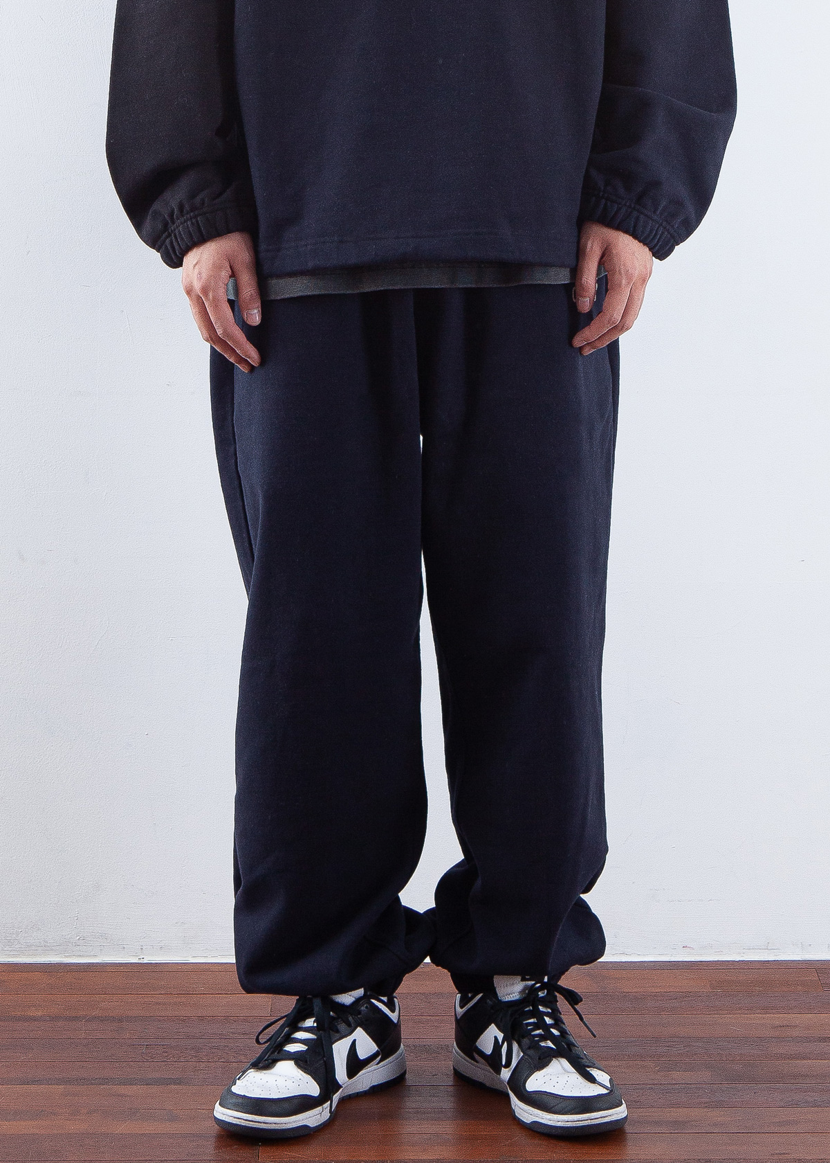 -[OURSELVES] LOGO PLAY SWEAT PANTS (navy/black)